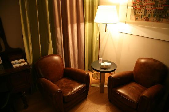 Park Hotel Ai Cappuccini : Sitting area in room- very comfortable