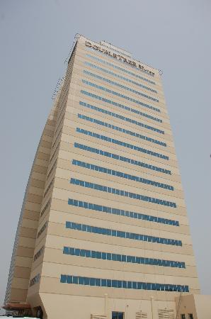 Doubletree by Hilton Ras Al Khaimah: the hotel. you cant miss it