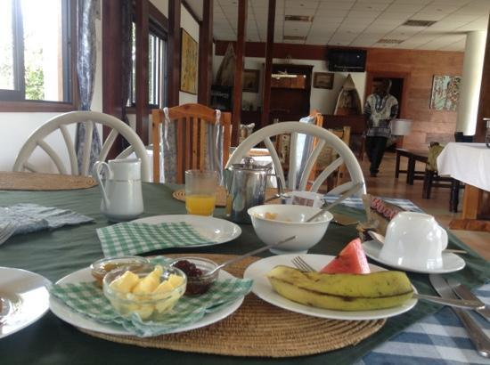 Galu Inn: breakfast