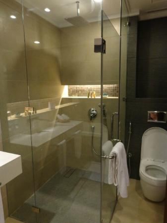 The Bellevue Resort Bohol: bathroom