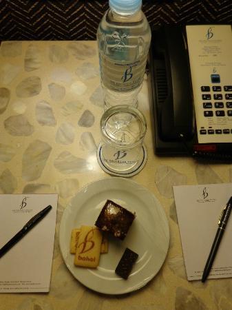 The Bellevue Resort Bohol: complimentary cookies