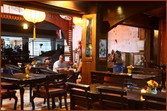 Restaurant @ gold coast inn