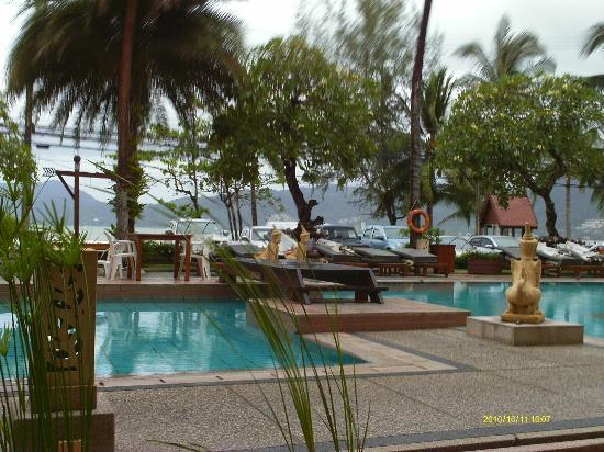 Seaview Patong Hotel: Pool at Seaview