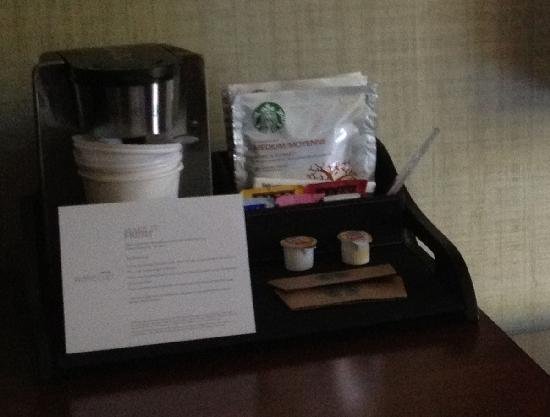 The Westin San Francisco Airport: Coffee maker