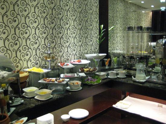 Hanoi Moment Hotel: Breakfast