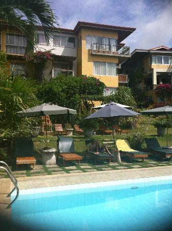 Amarela Resort: from pool area upto the motel area