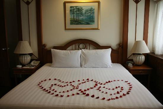Bliston Suwan Park View: Special arrangement from the hotel for honeymoon