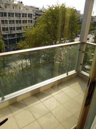BEST WESTERN Ilisia Hotel : balcon chambre
