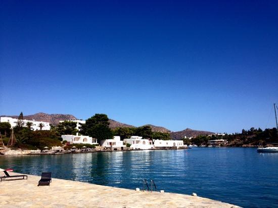 Minos Beach Art hotel: Beach front
