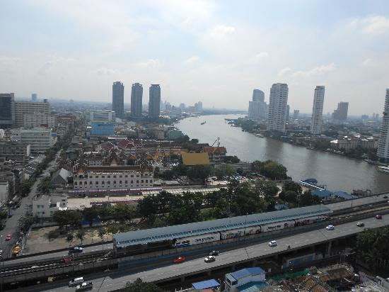 Centre Point Hotel Silom: 美麗的昭彼耶河