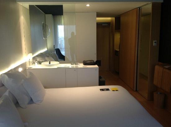 Barcelo Sants: Orbital Room