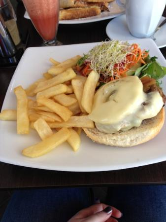 Pantry The: queenslander burger