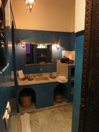 Riad Charme d'Orient: Salle de bain Abdelhadi
