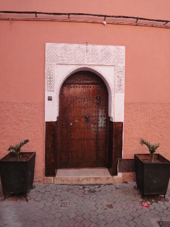 Riad Charme d'Orient: Porte d'entrée du Riad