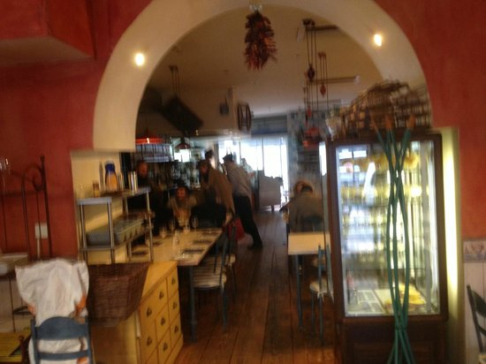 El Pescador : interior just before closing for the afternoon