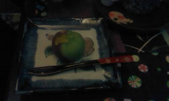 Kagurazaka: 和風カフェで頂いた和菓子。