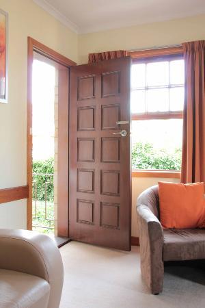 Avon Court Apartments : Door to Small patio