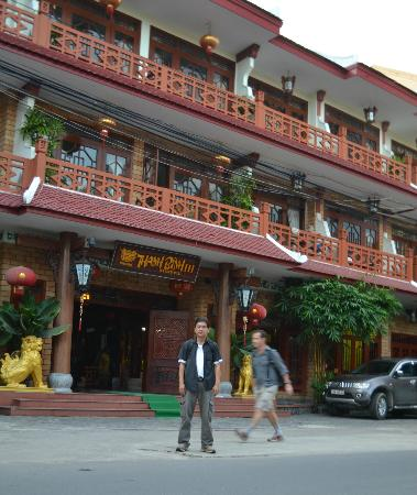 Thanh Binh III Hotel: Hotel front