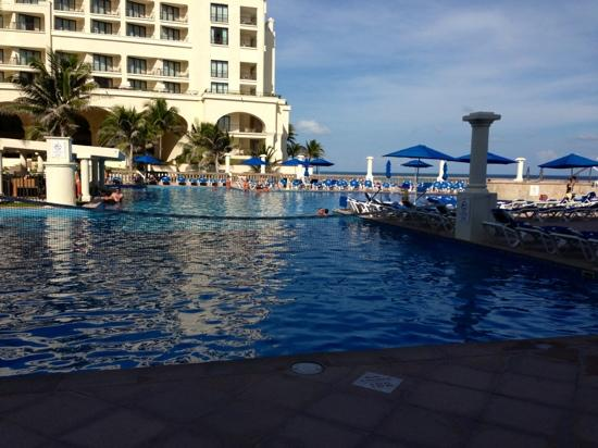 Marriott Cancun Resort: pool