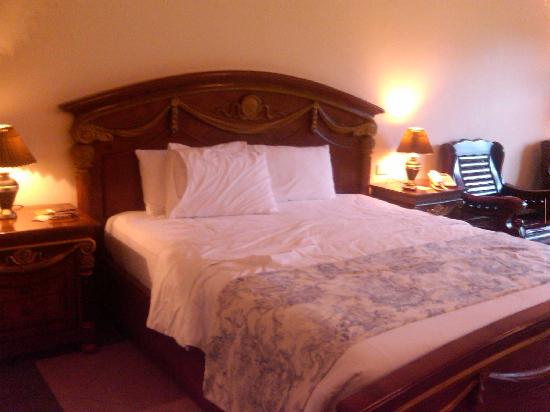 Henann Garden Resort: my king size bed