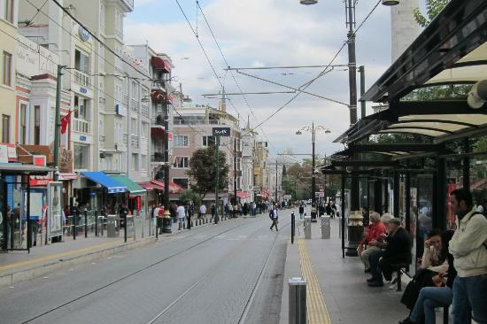 Sultanahmet District: Sultanahmet street