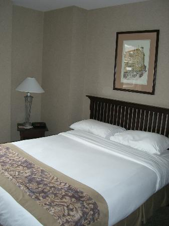 Ramada Limited Vancouver Downtown: 1 Queen room