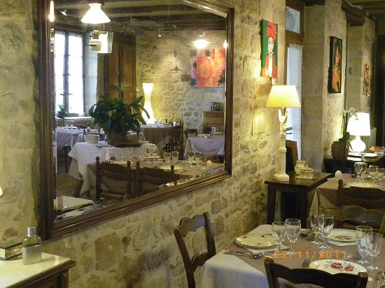 Auberge des Tilleuls: LA SALLE DE L'AUBERGE