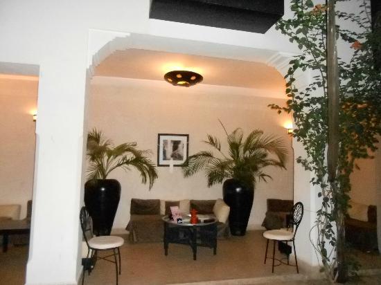 Riad Harmonia: le salon ouvert