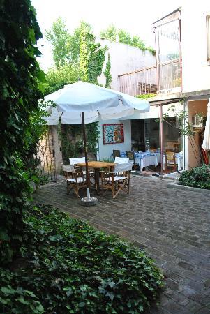 Hotel posada Manuel de lobo: Jardín exterior