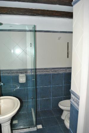 Hotel posada Manuel de lobo: Baño