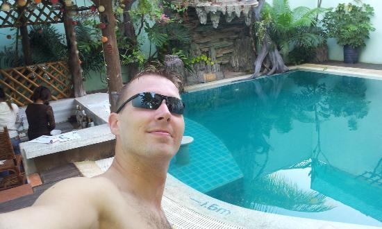 Siem Reap Riverside: pool