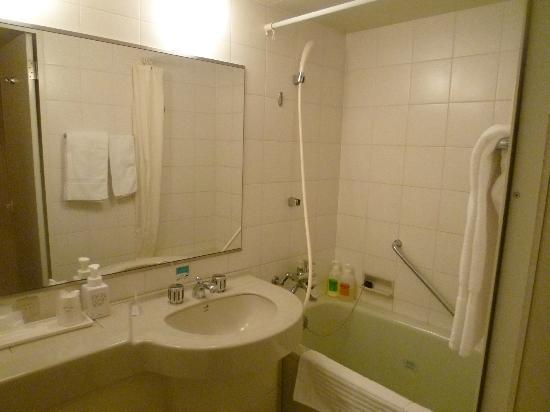 Hotel Grand Terrace Toyama: バスルームは清潔です