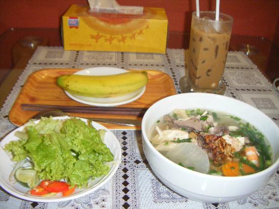 Cat Huy Hotel: 朝食の海鮮のフォー