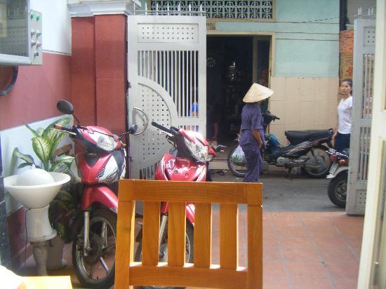 Cat Huy Hotel: 食堂からの眺め