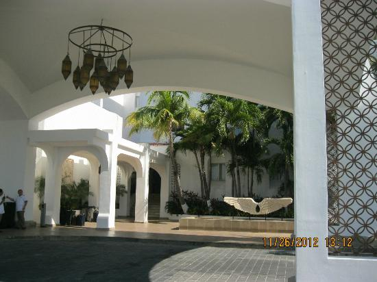 GR Caribe by Solaris: Grounds