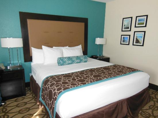 La Quinta Inn & Suites San Diego Mission Bay: bed