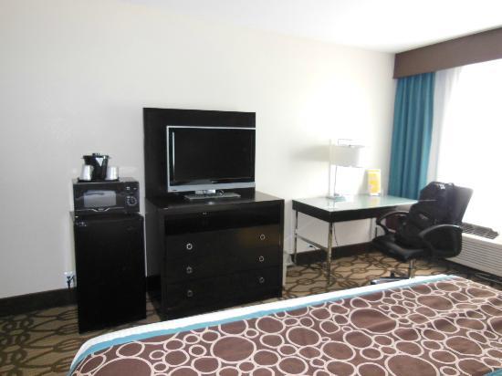 La Quinta Inn & Suites San Diego Mission Bay: flat screen
