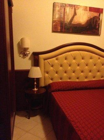 Hotel Domus Praetoria: camera nuova