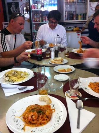 Il Barile da Mario Bar Restaurant: Difficilmente all'estero si trova una cucina cosí buona...grazie ancora!!!