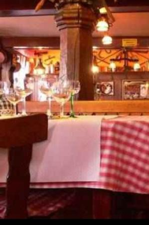 Auberge A L'Agneau: Restaurant Ambiente