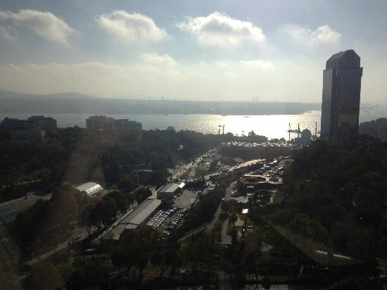 Hilton İstanbul Bosphorus: Gorgeous panoramic view from the executive lounge