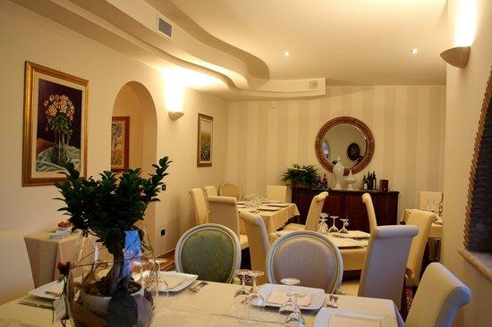Chiacchiere - Wine & Restaurant