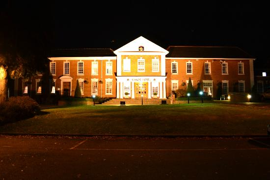 BEST WESTERN PLUS Birmingham NEC Meriden Manor Hotel: outside