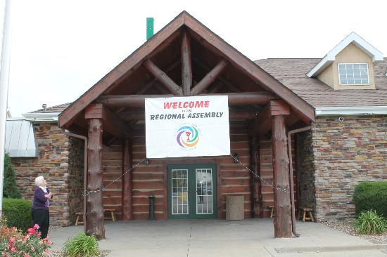 Stoney Creek Hotel & Conference Center - St. Joseph: The hotel allowed us to hang our banner over the entrance to the Northwoods Conference Center.