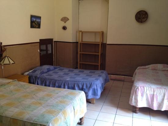 La Posada del Virrey : dormitory