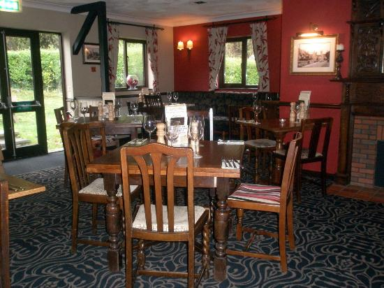 The Swan at Stoford: Dining area