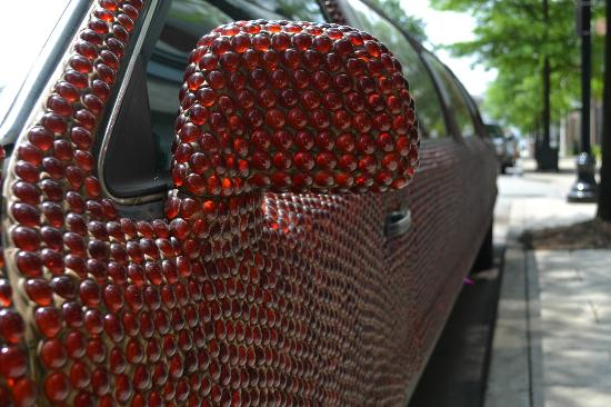 21c Museum Hotel Louisville: 21C's Ruby Limo