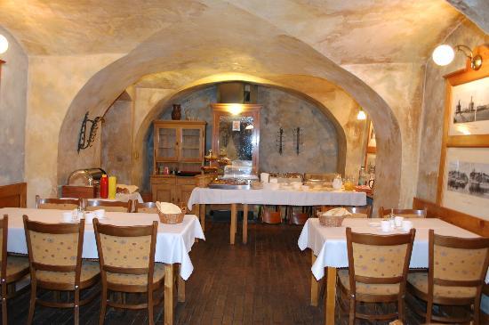 Hotel U Suteru: salle petit déjeuner