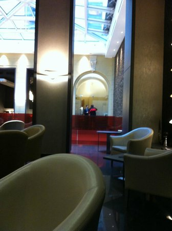 Hotel Palazzo Zichy: Lobby were is also a Bar.