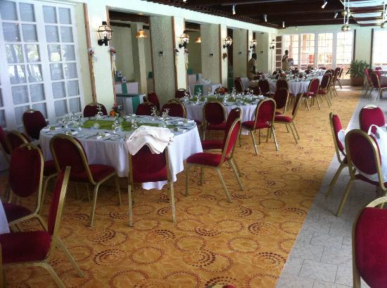 Le dauphin photo de savana jardin hotel dakar dakar for Le jardin dakar